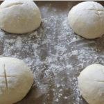 Не може да ги тренира ракометарите, но прави одличен леб (ФОТО/ВИДЕО)