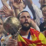 ЕХФ со специјална честитка за Стоилов: Легендарниот играч со две европски титули слави роденден! (ФОТО)