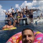 """СТРУГА 2020: Награда за победата над Металург - """"фармацевтите"""" уживаат на катамарани на Охридското езеро (ФОТО)"""