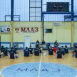 Во Богданци нема тренинг - навиваат за фудбалерите и ја пејат химната (ВИДЕО)