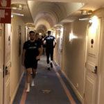 Тренираа во ходник во хотелот пред натпревар, па... (ВИДЕО)